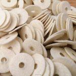 Egyedi filc termék gyártás : vágás, darbolás , stancolás , tömítés gyártás